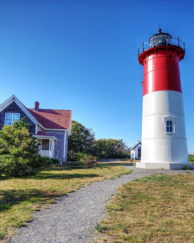 potato-chips-and-a-lighthouse