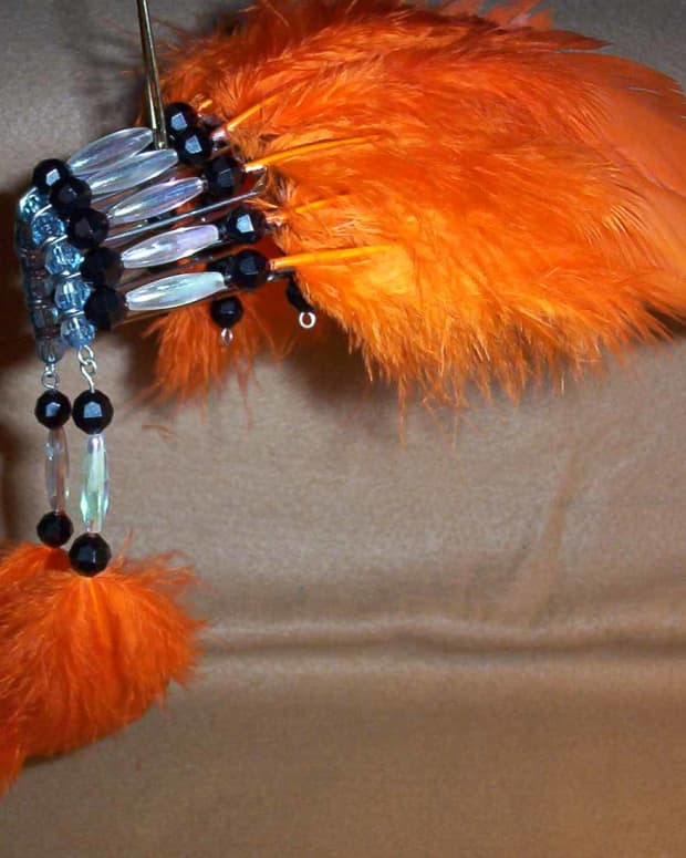 how-to-make-a-native-american-beaded-headdress-with-safety-pins
