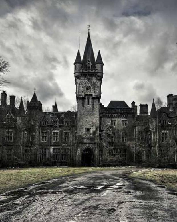 ten-best-haunted-house-movies