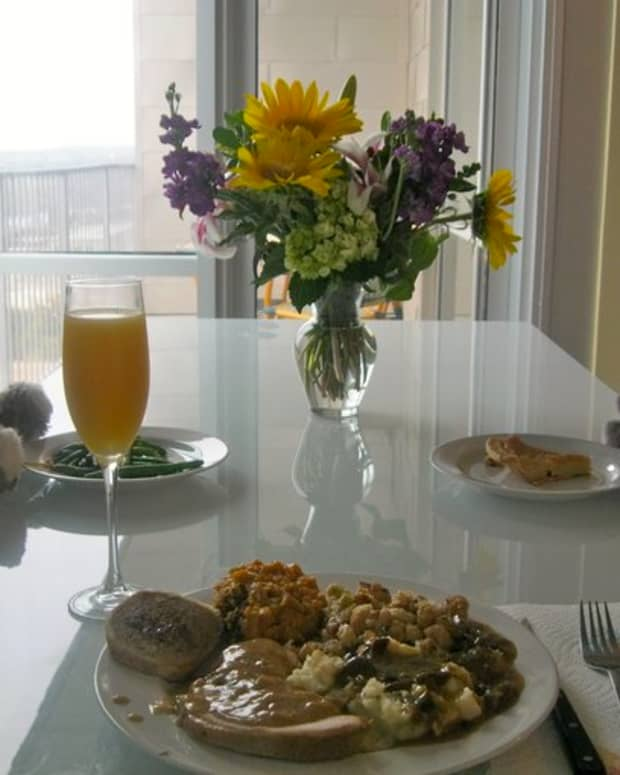 ways-to-enjoy-being-alone-on-thanksgiving