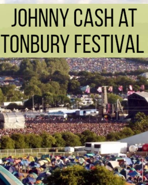 classic-concerts-johnny-cash-at-glastonbury-festival-1994