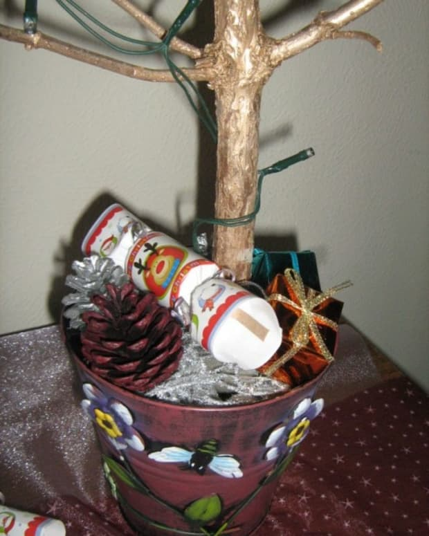 how-to-make-your-own-christmas-tree-making-homemade-branches-ornaments
