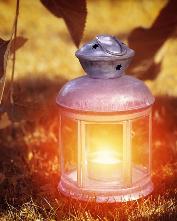 lantern-carriers-spread-light-and-love