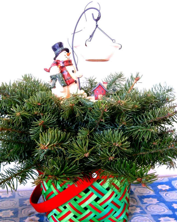 how-to-make-a-fresh-christmas-centerpiece-for-under-10