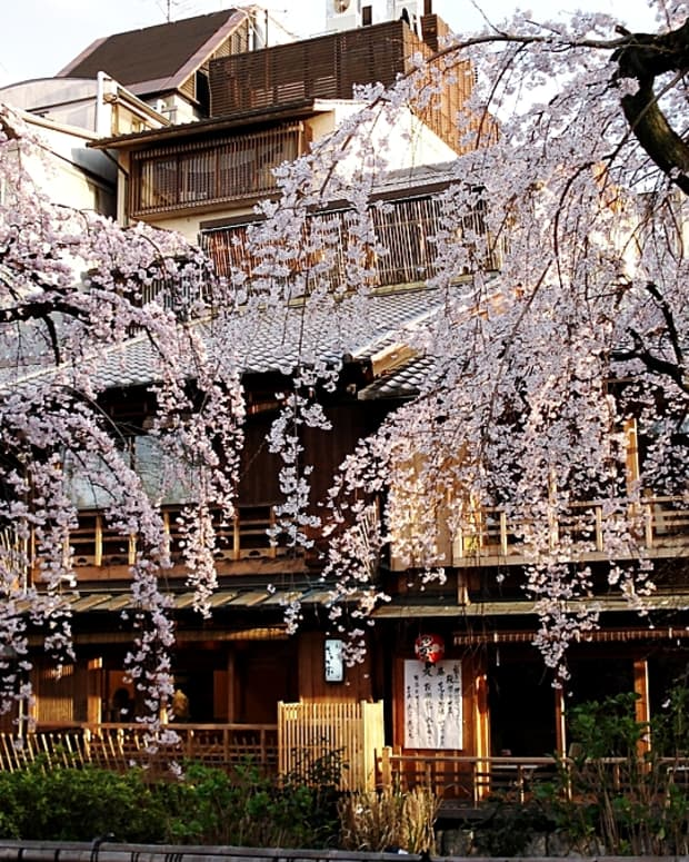 10-historic-must-visit-towns-and-districts-in-japan