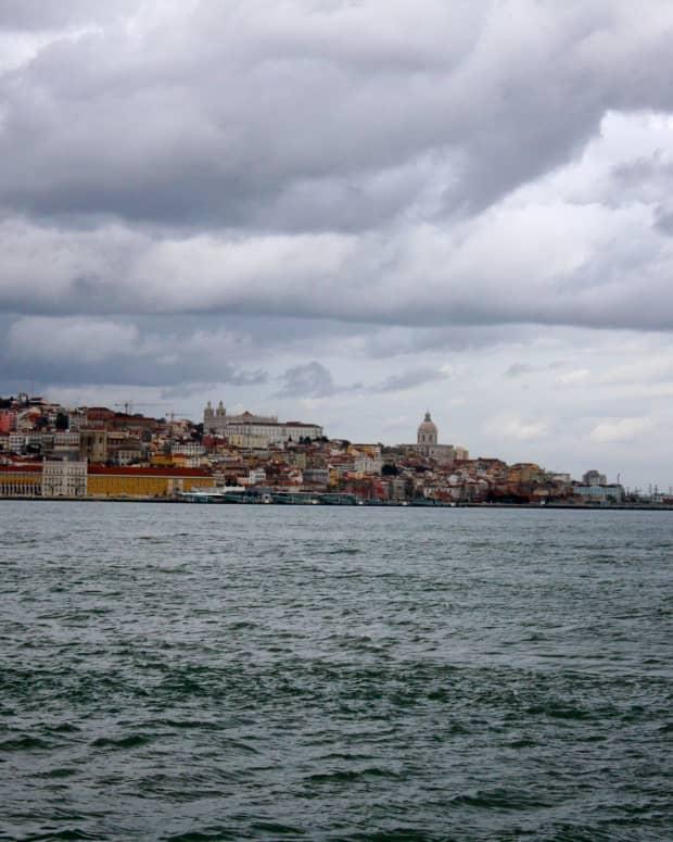 monument-to-christ-cristo-rei-portugal