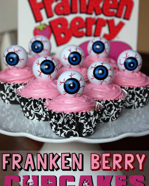 franken-berry-halloween-cupcakes