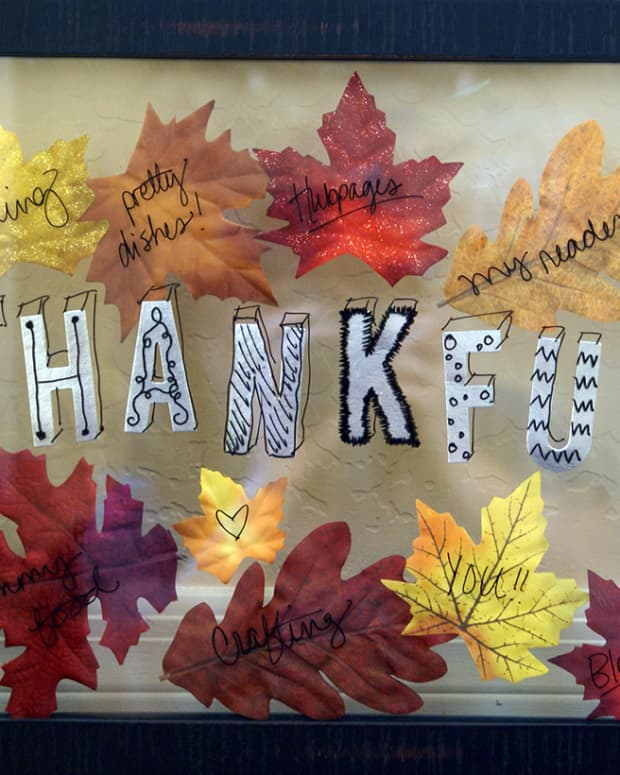 diy-thanksgiving-dry-erase-thankful-board-with-fake-leaves