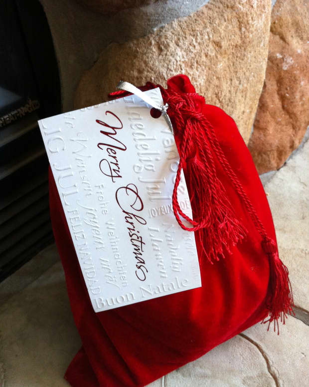 eco-friendly-gift-wrapping-ideas-reduce-reuse-recycle