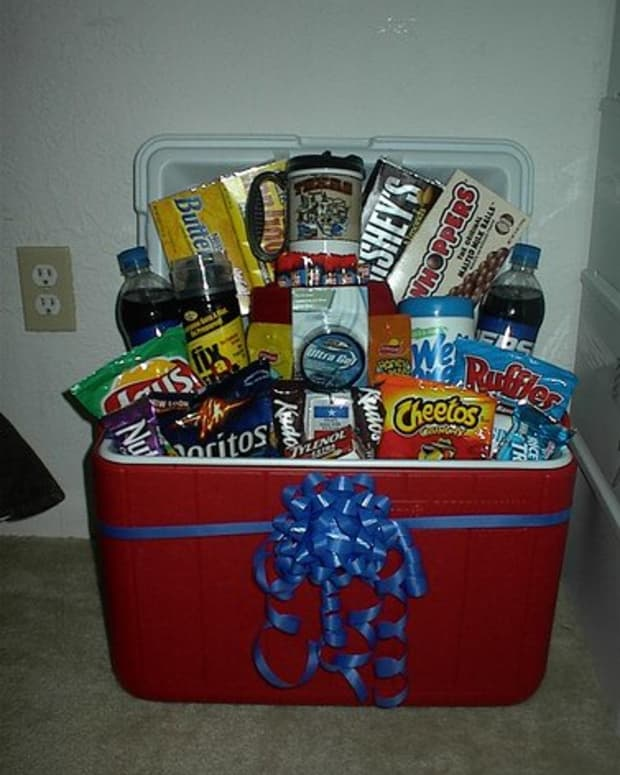 how-to-organize-a-gift-basket-raffle-fundraiser