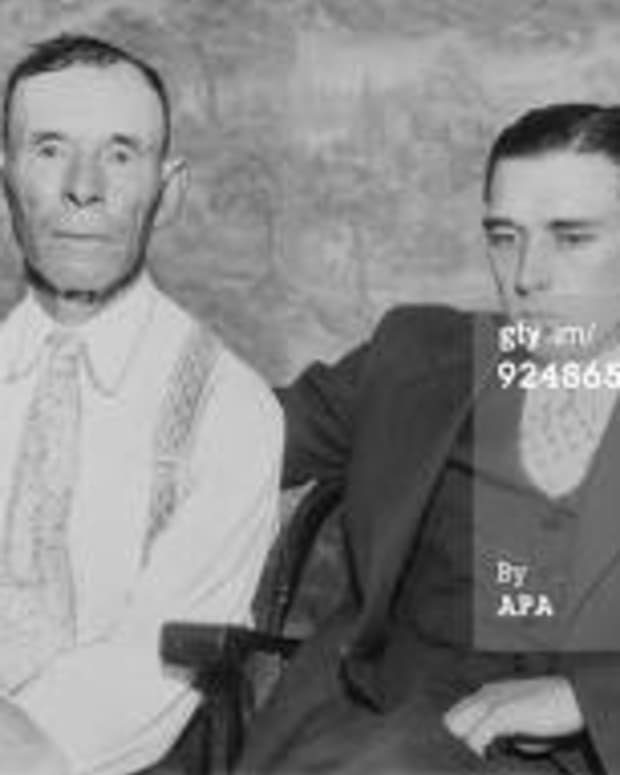 dillinger-learns-the-ways-of-the-gangland-world