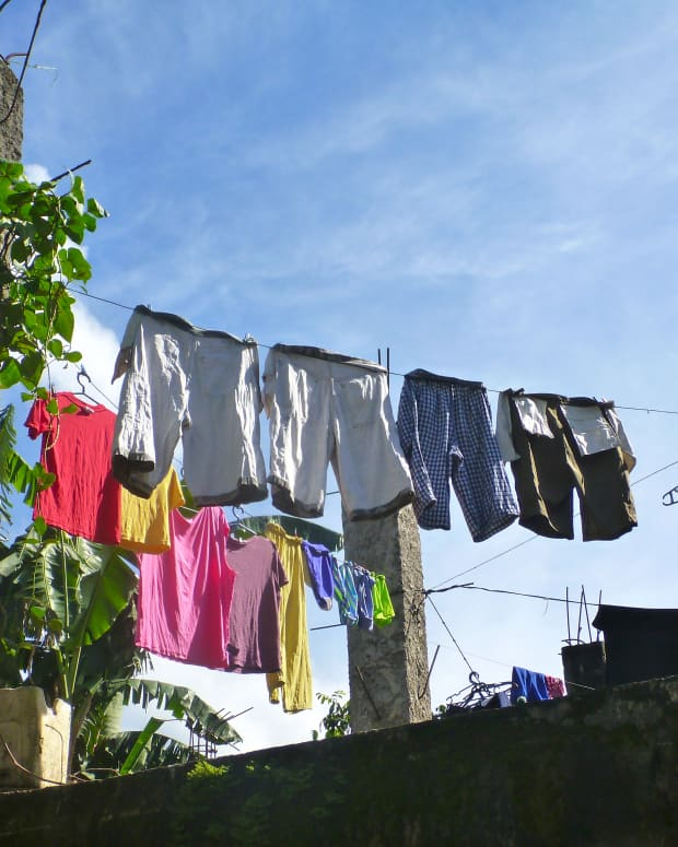 how-to-be-frugal-tips-ways-to-to-wash-clothing-and-lower-your-water-and-electricity-bill