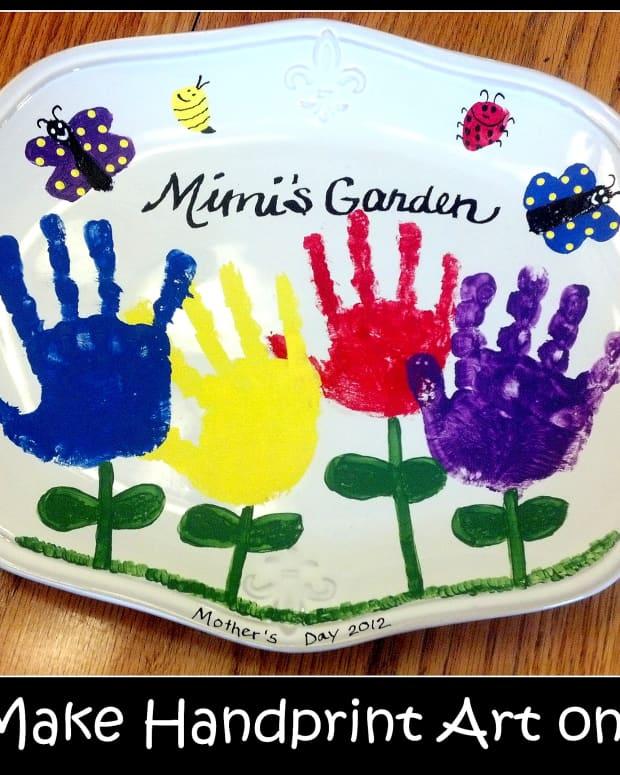 how-to-make-handprint-art-on-ceramics