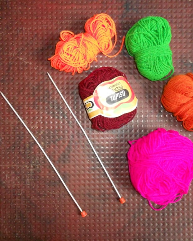 how-to-fix-a-knit-sweater-snag