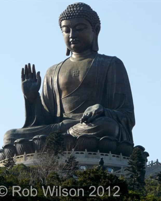 tourist-guide-to-the-big-buddha-in-ngong-ping-tung-chung-hong-kong