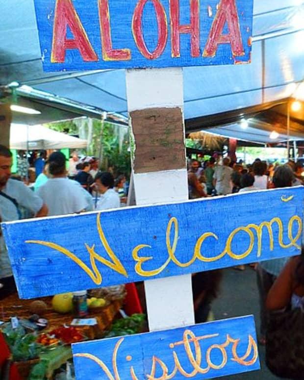 hidden-hawaii-the-festive-night-market-in-kalapana-on-the-big-island