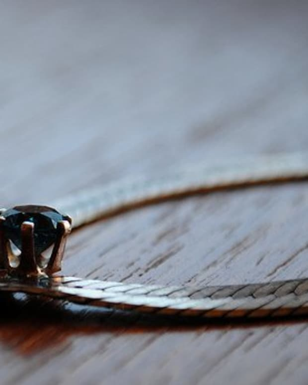 how-to-identify-different-necklace-chain-styles