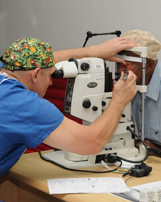 aging-related-eye-diseases