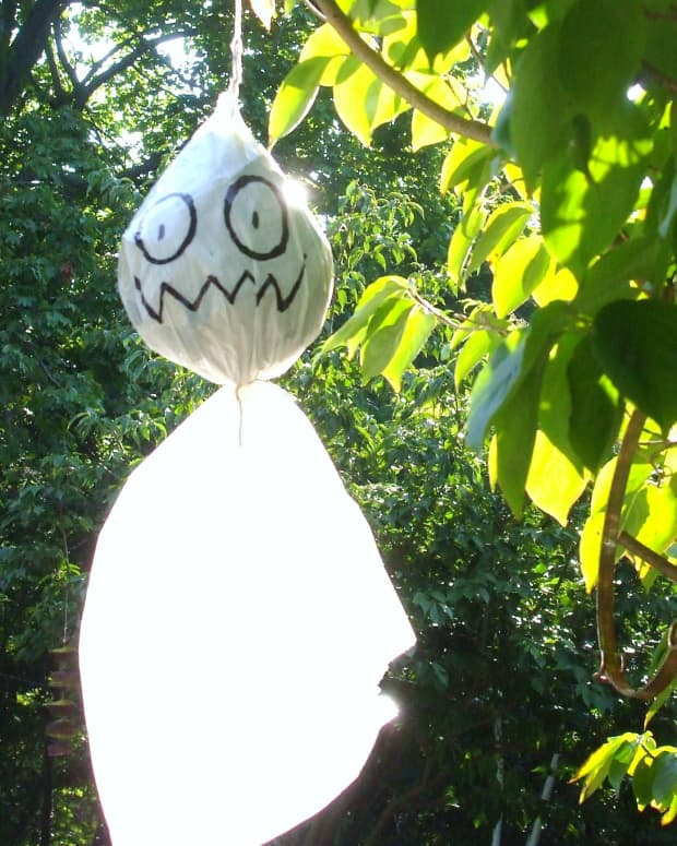 how-to-make-halloween-ghosts-decorations-for-outside