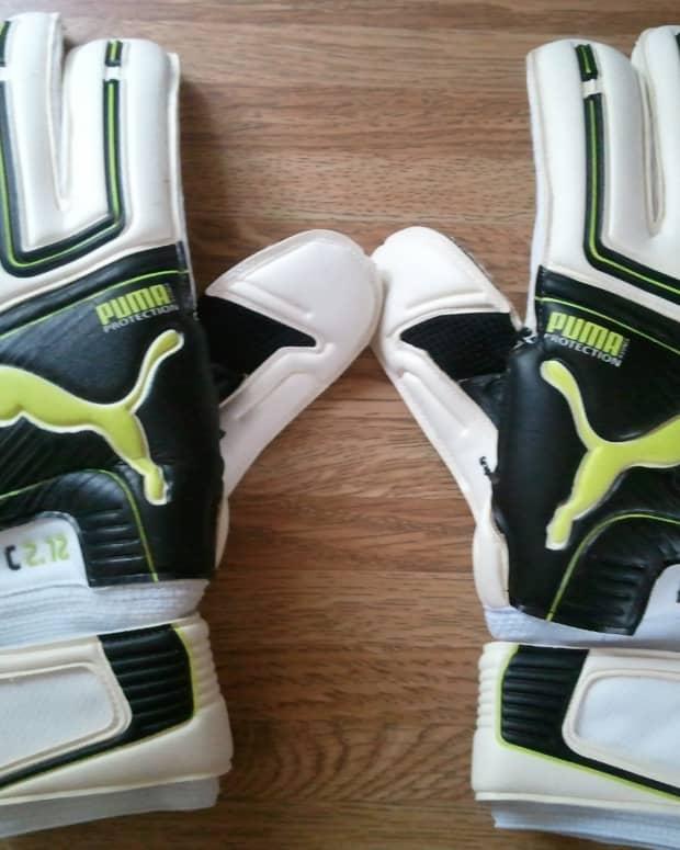 goalkeeper-gloves-care