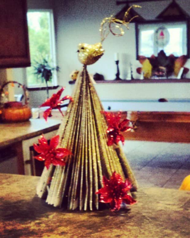 recycled-christmas-tree-crafts-how-to-make-a-tree-with-magazines