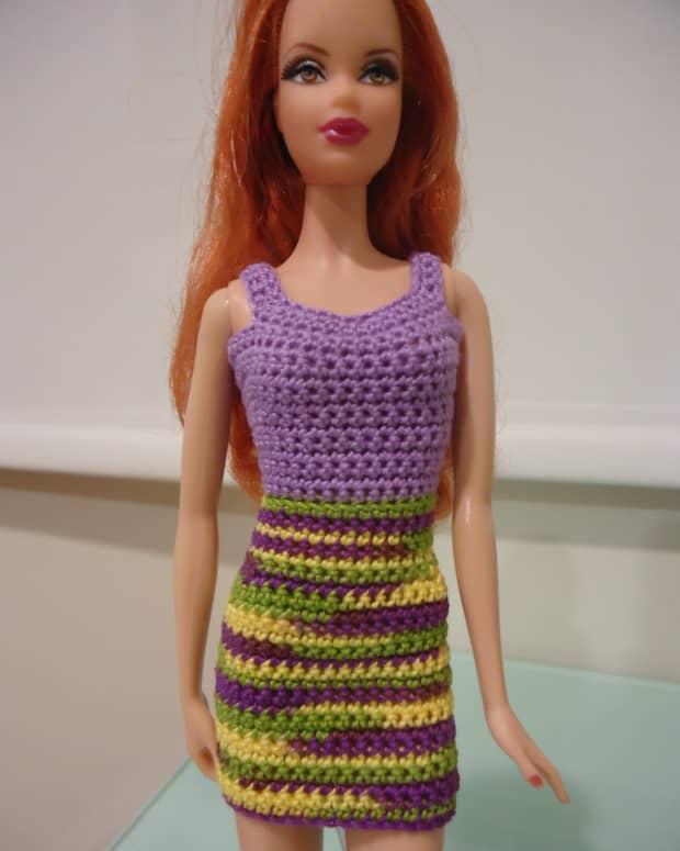 barbie-doll-crochet-clothes-simple-sheath-dress-a-free-pattern