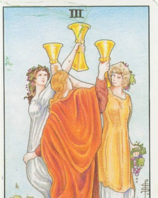 how-and-where-to-buy-tarot-cards