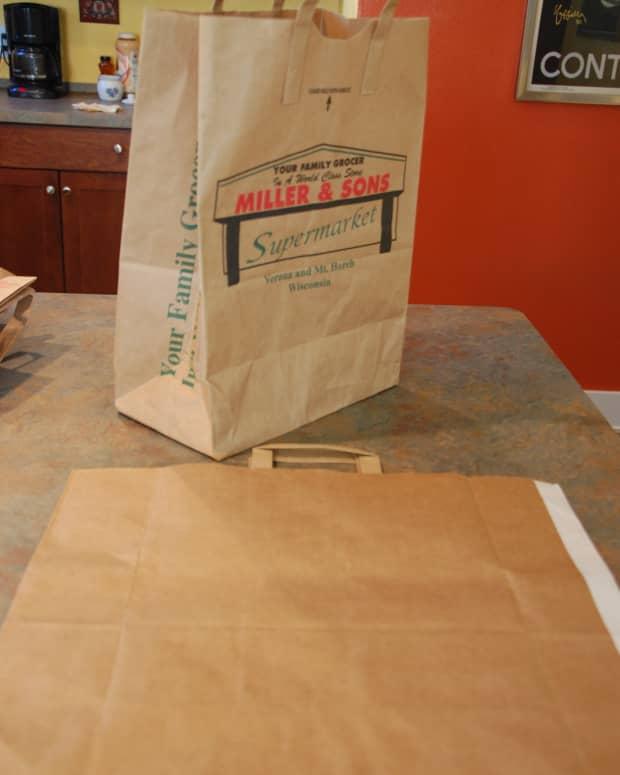 making-brown-paper-bag-portfolios