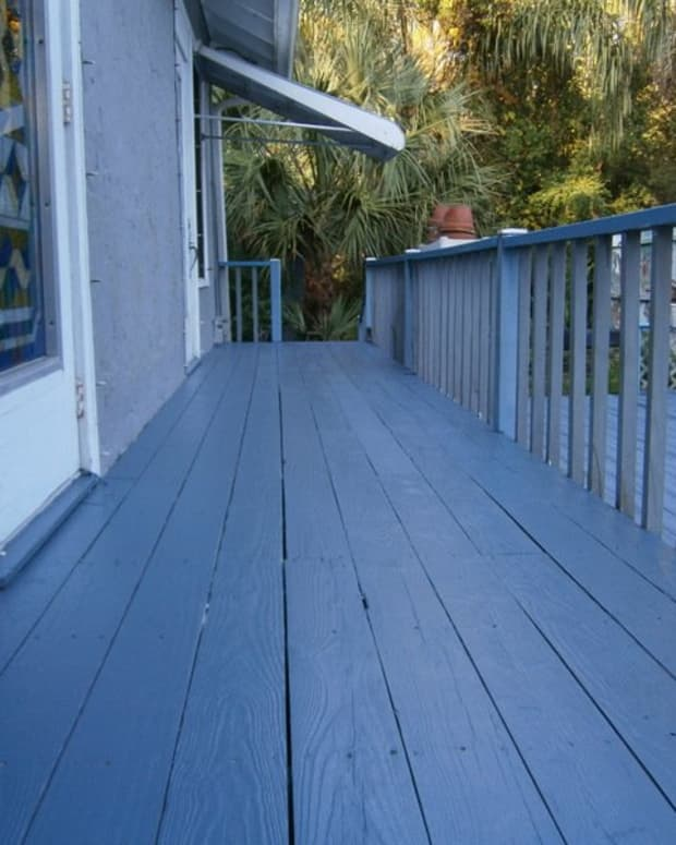 refinishing-and-repainting-my-old-wooden-porch-and-deck