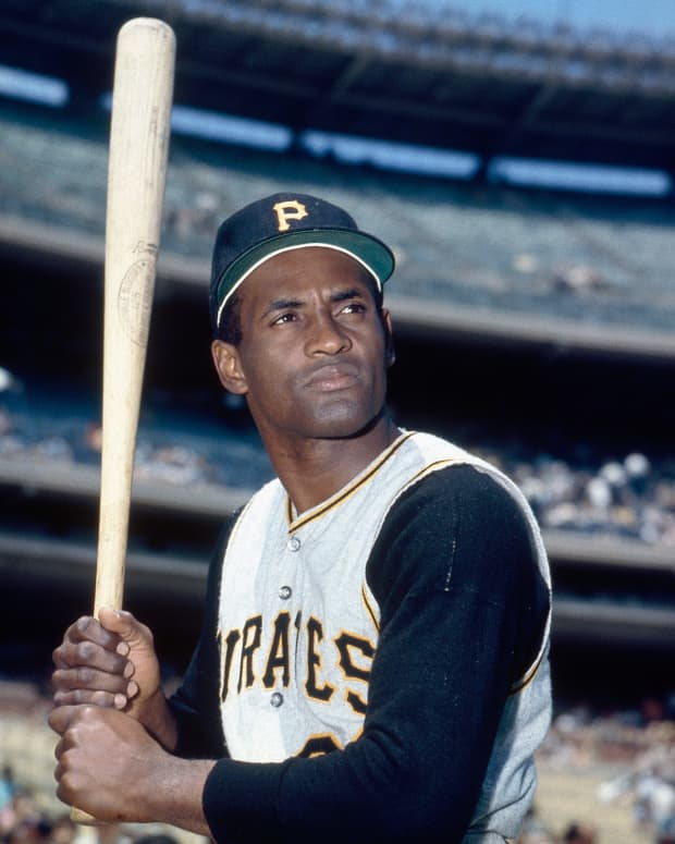 roberto-clemente-a-hero-on-and-off-the-field