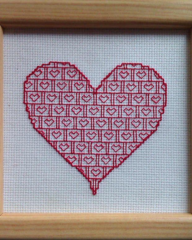 free-blackwork-valentines-heart-pattern