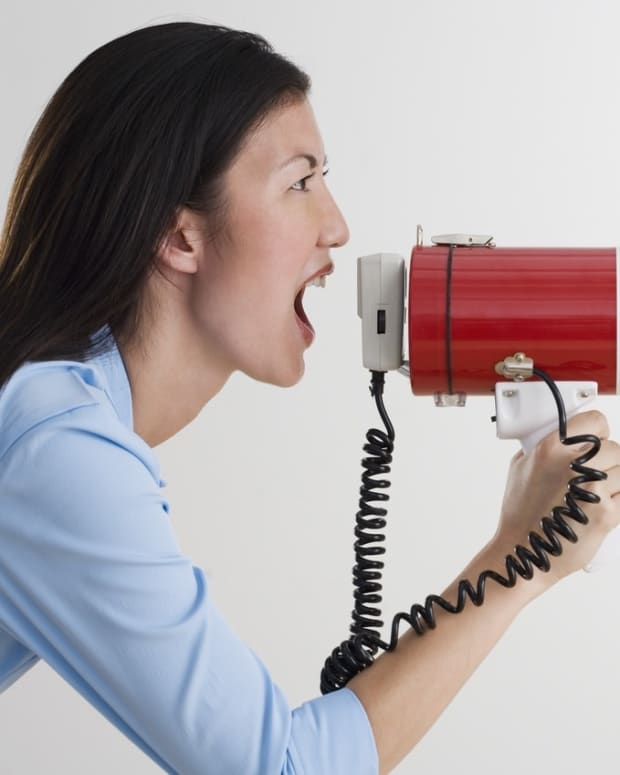 how-to-handle-a-loud-person-in-the-workplace