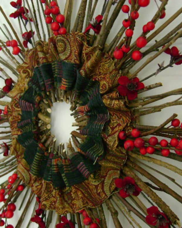 diy-craft-project-fall-into-the-holidays-wreath