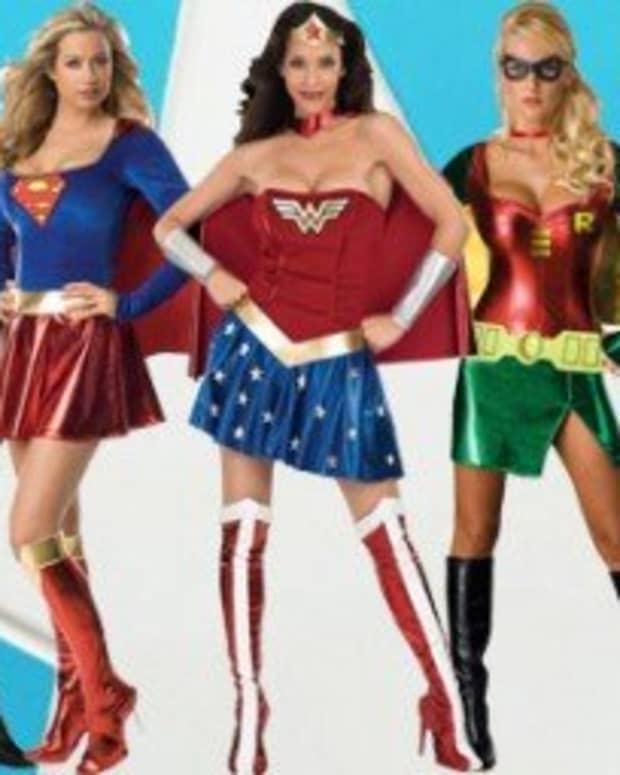superheroheroine-halloween-costumes-men-vs-women