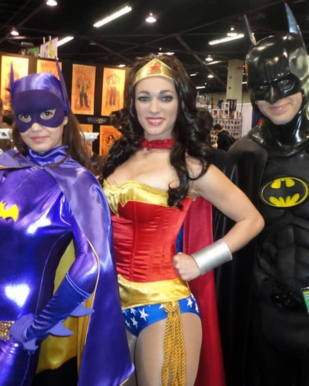 superhero-transformed-to-superheroine