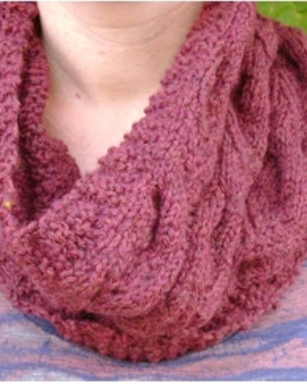 free-knitting-pattern-for-cables-modern-english-cowl