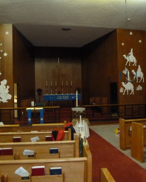 decorating-the-altar-for-advent-and-christmas-a-new-approach