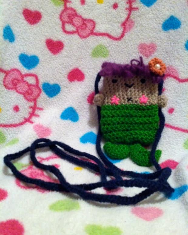 create-a-custom-crochet-iphone-case