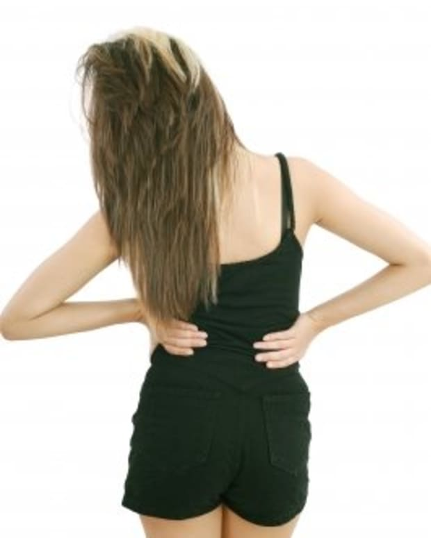 breastfeeding-back-pain-how-to-relieve-and-avoid-it