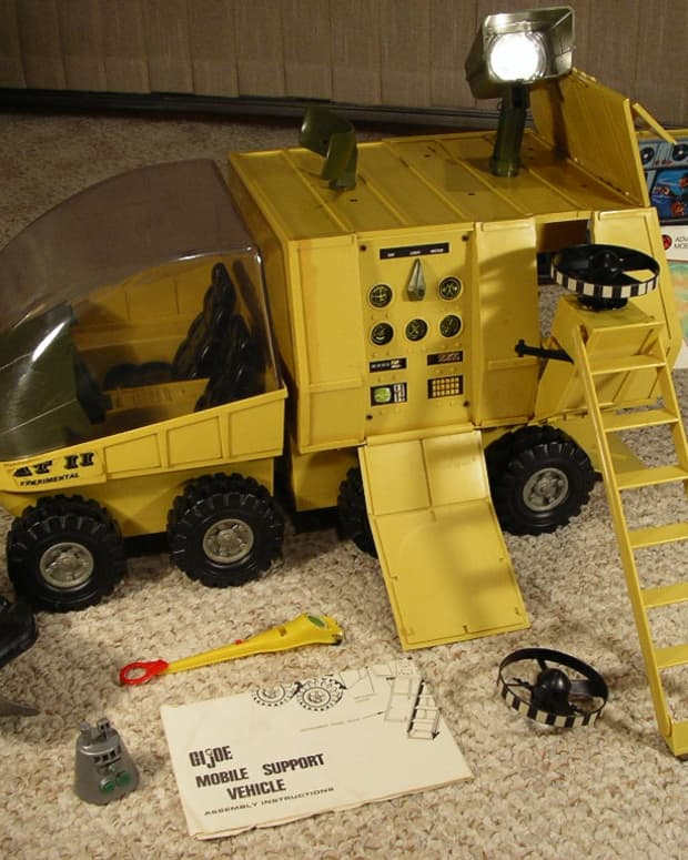 gi-joe-mobile-support-vehicle-antenna-drive-belt-replacement-and-electrical-system-repair-adventure-team-msv