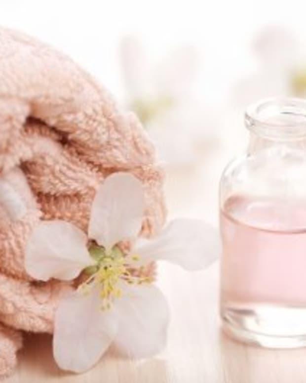 rosewater-and-lemon-face-wash-recipe
