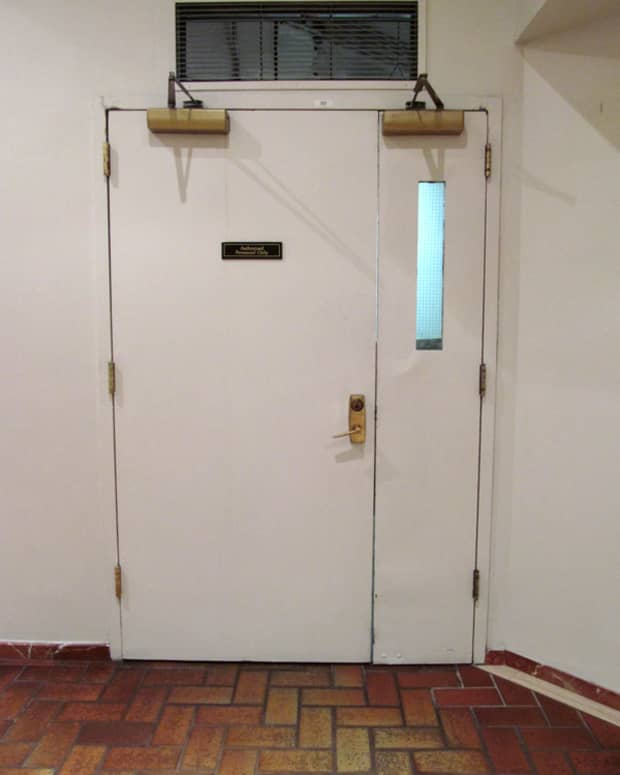 how-to-lock-an-uneven-pair-of-doors
