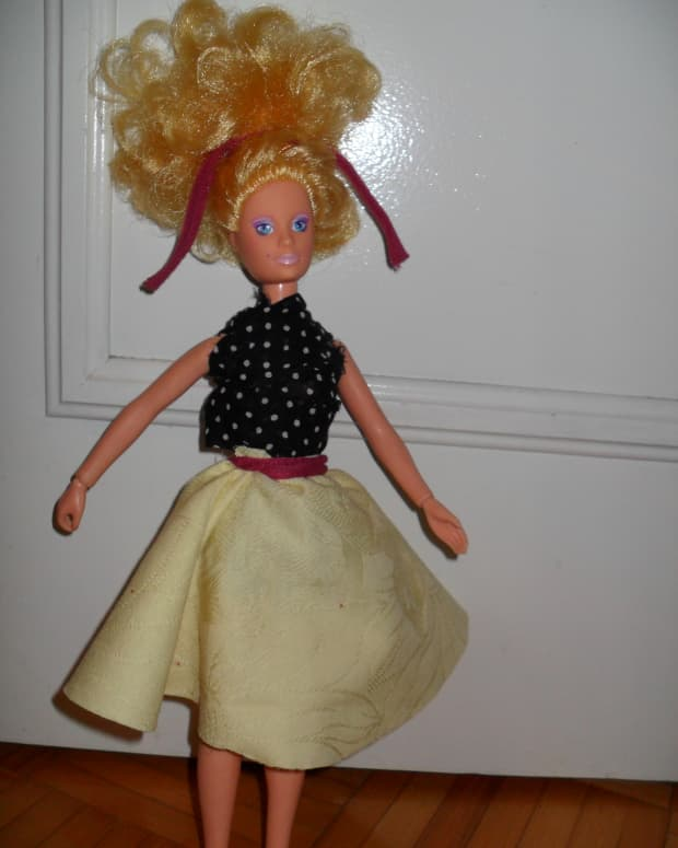 how-to-create-your-own-no-sew-doll-clothes