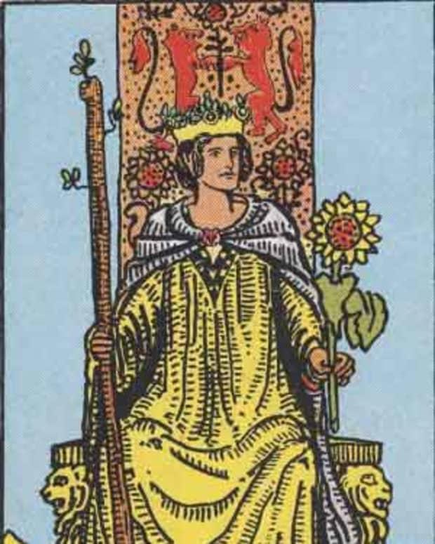tarot-court-cards-the-queen-of-wands