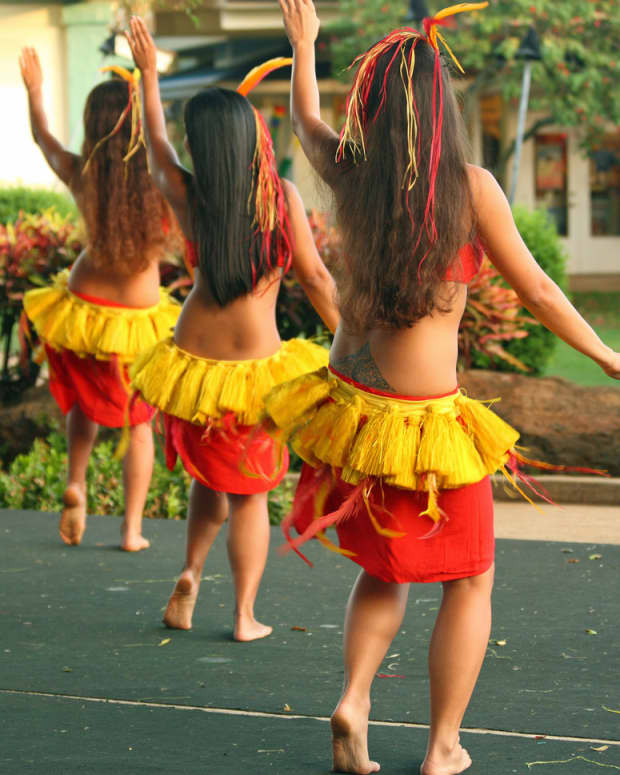 how-to-dance-hula-basic-hula-dancing-techniques