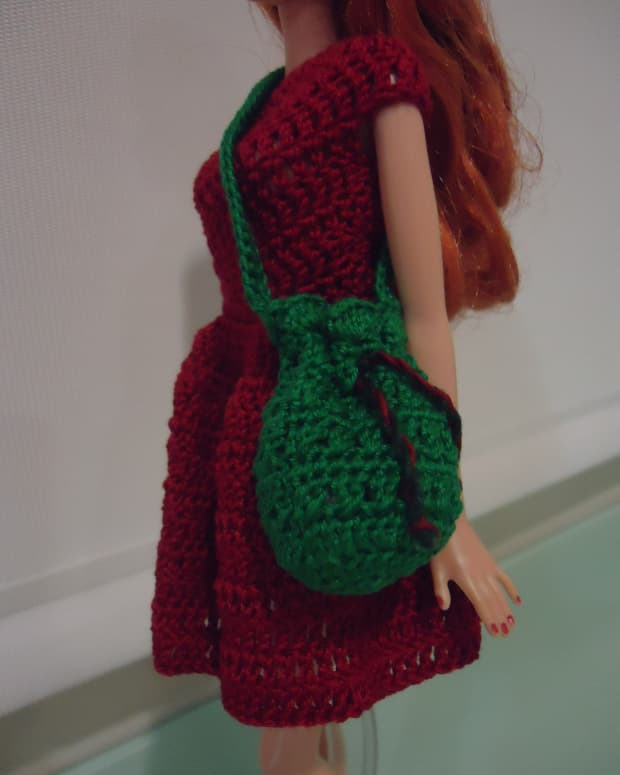 barbie-bikini-drawstring-bag-free-crochet-pattern