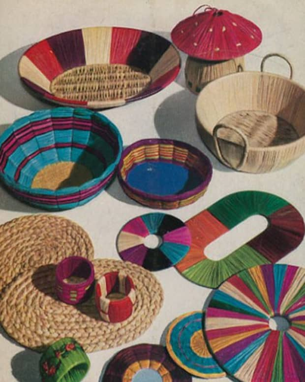 raffia-craft-basics-how-to-make-a-simple-raffia-mat-raffia-wall-hanging