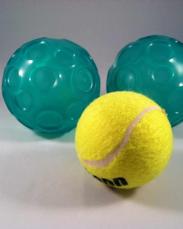 how-to-use-a-ball-to-massage-your-back