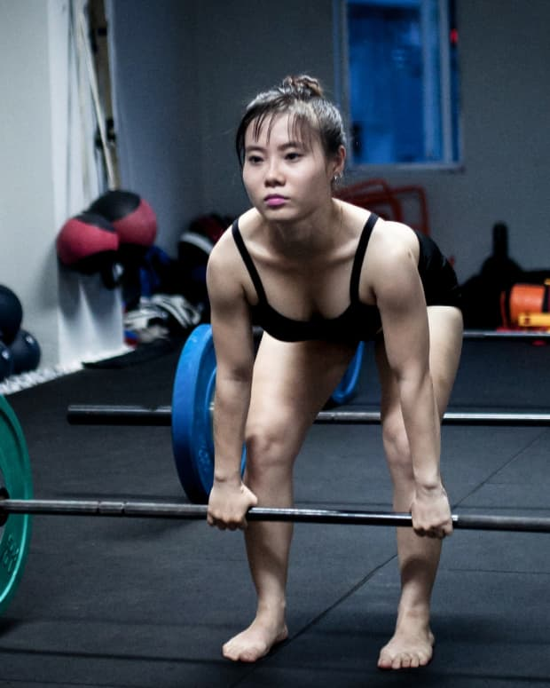 butt-and-thighs-weight-training-to-build-a-better-butt
