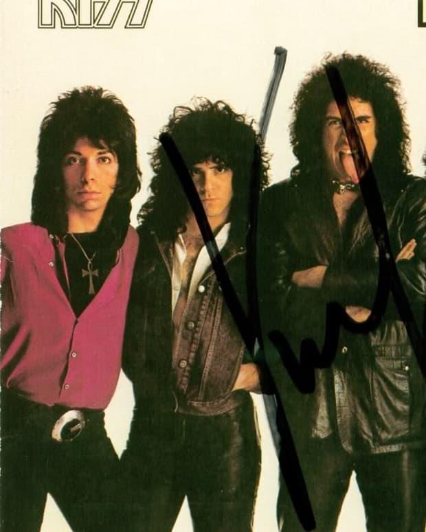 retro-metal-review-kiss-lick-it-up-1983